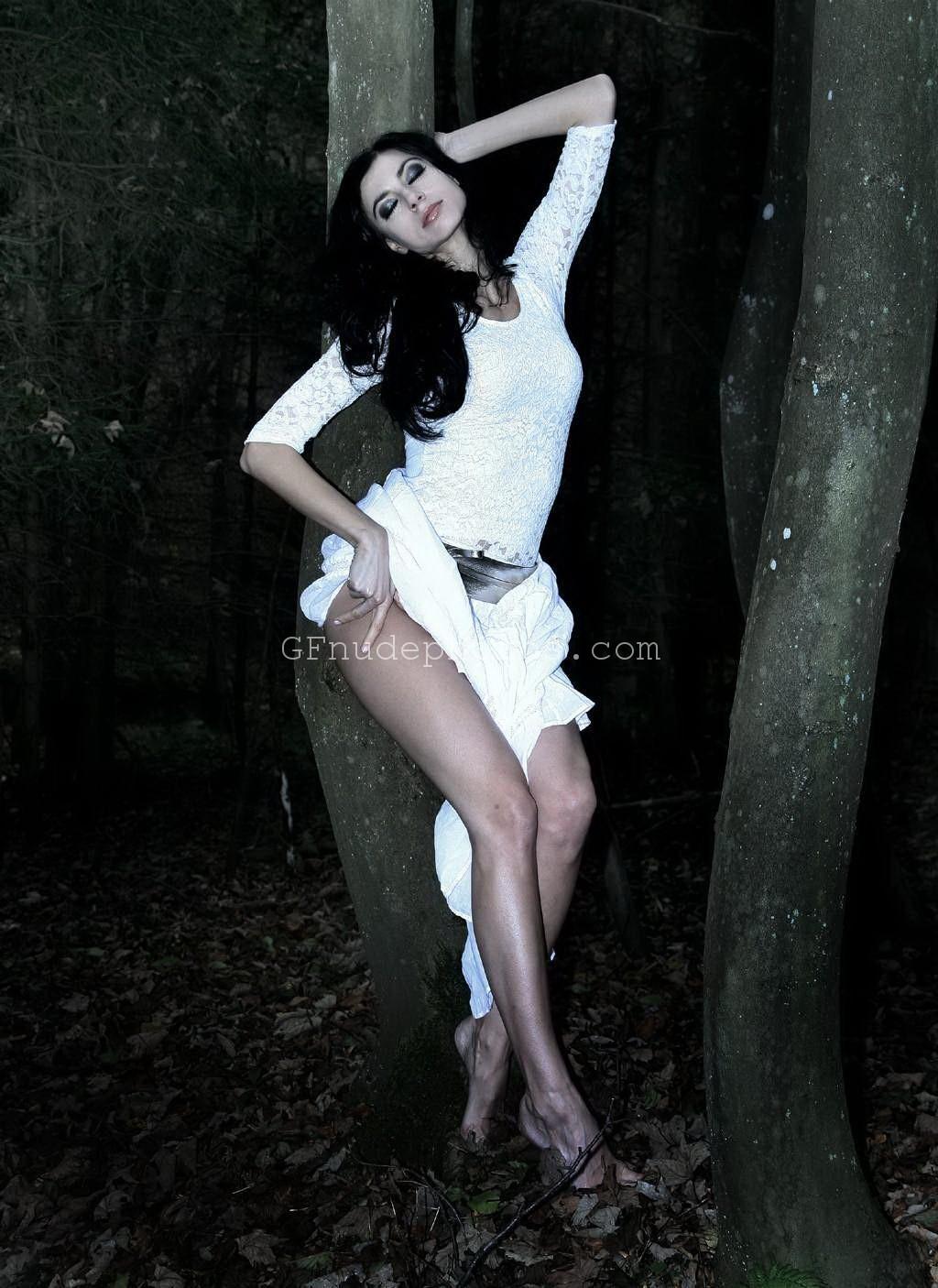 Jennifer aniston in panties wet